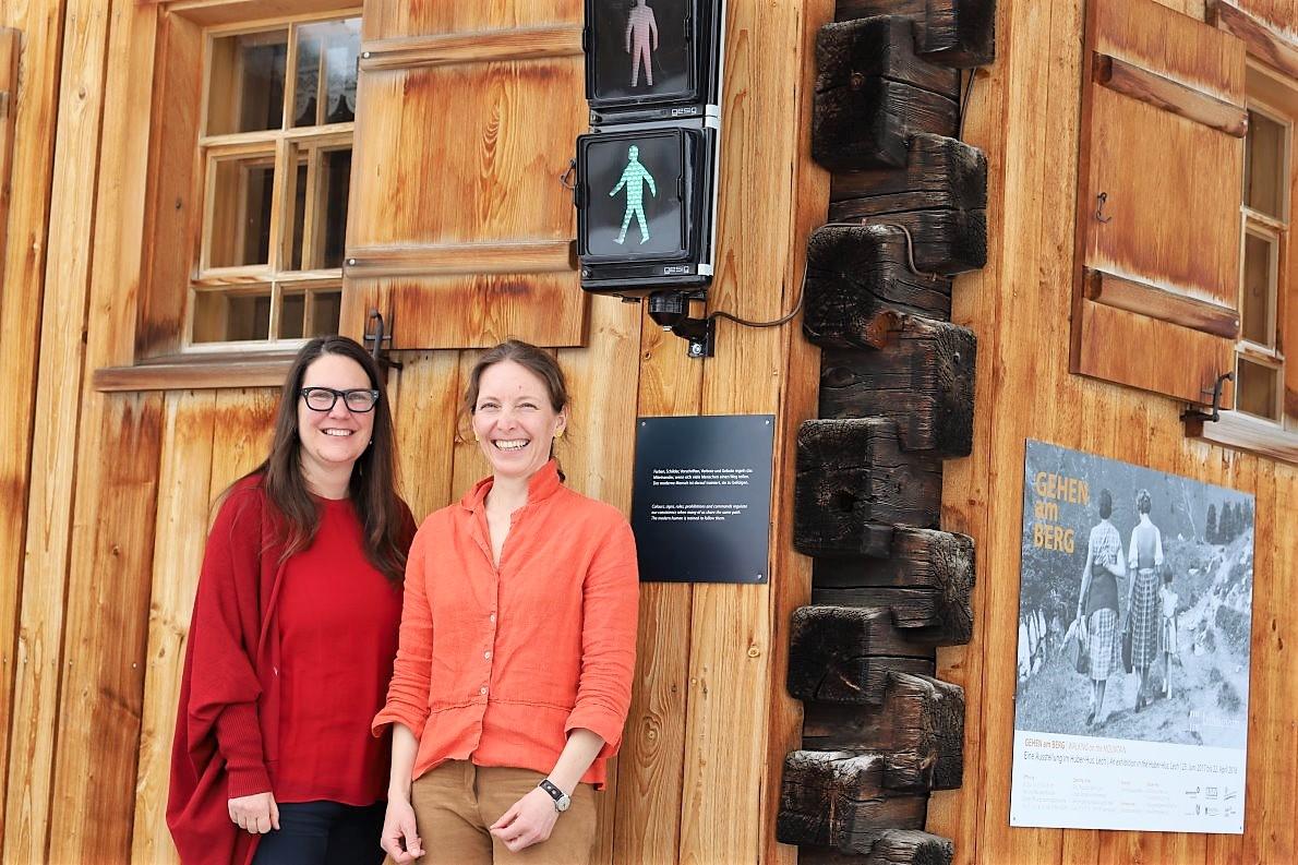 Kuratorin Ingeborg Schmid und Monika Gärtner, Leitung Lechmuseum. (Foto: Knut Kuckel)
